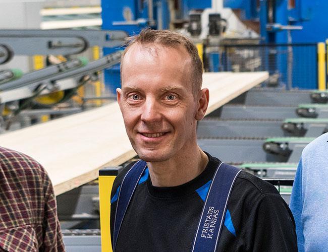 Mikael Bengtsson arbetar med projekt och underhåll