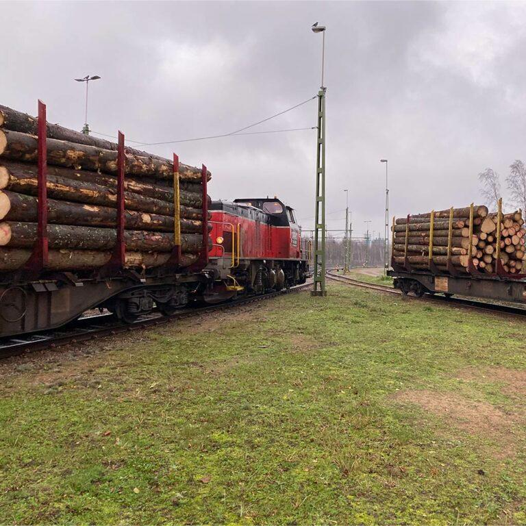 Train deliveries of timber from Värmland